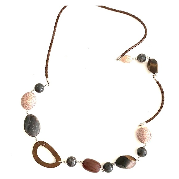 Jewelry - 39 in wood/stone/leather chain